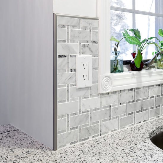 Costanzo – Counter and Tile Detail