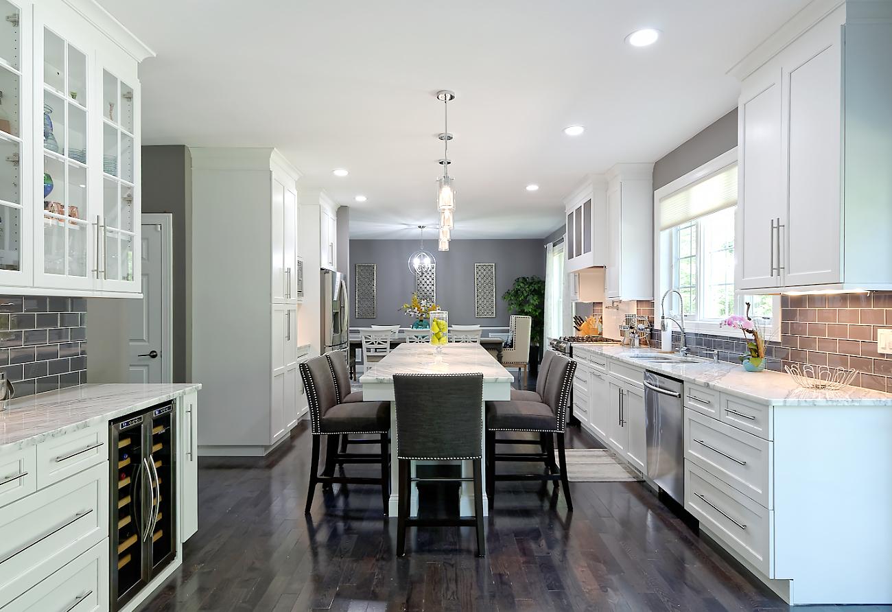 Desai Kitchen - Viking Kitchen Cabinets
