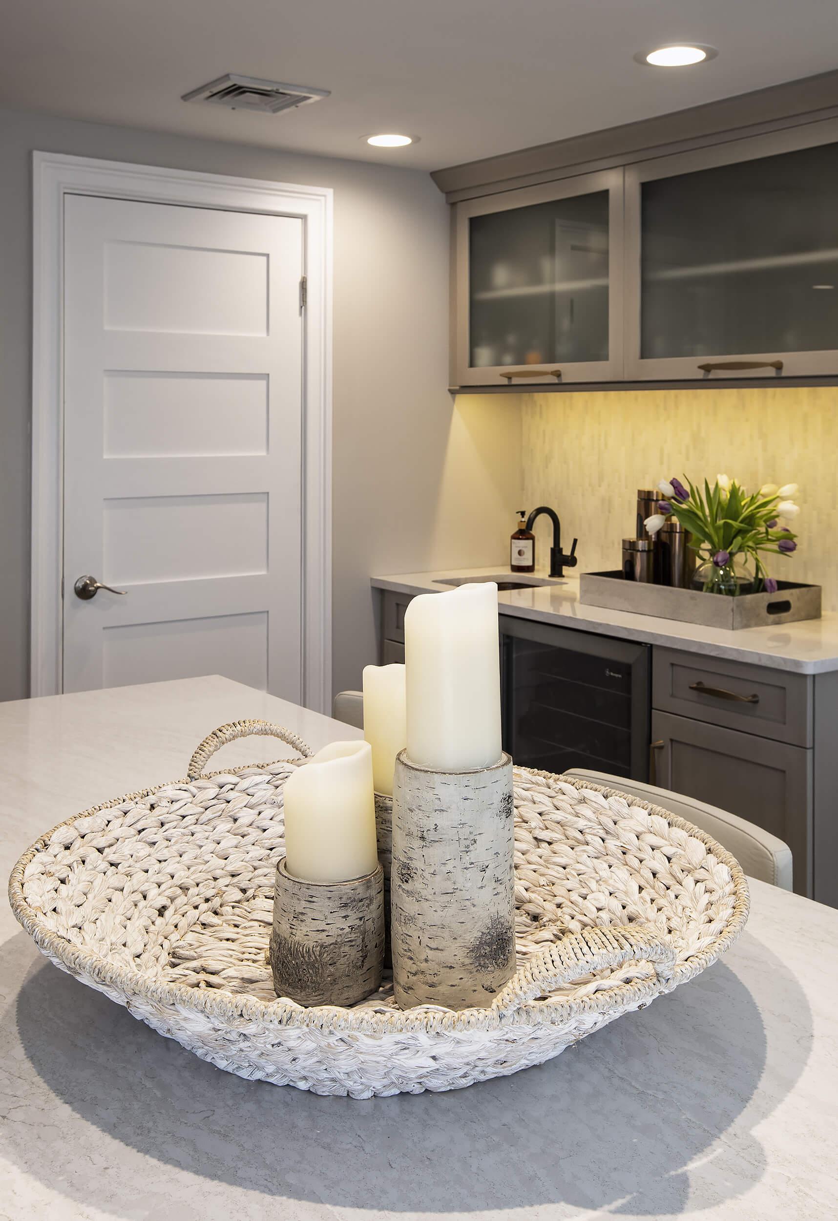 Hamden Kitchen - Counter Detail | Viking Kitchen Cabinets