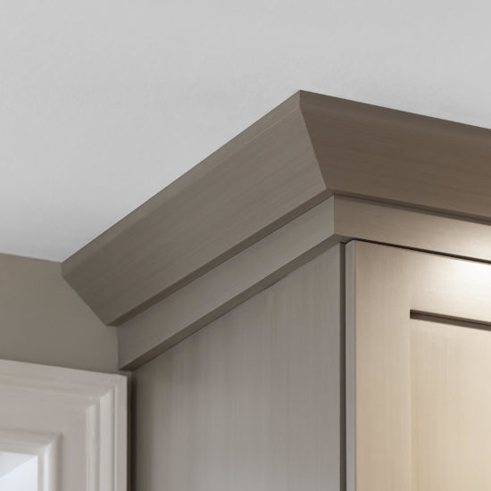 Hamden Kitchen – Wall Cabinet Edge Detail