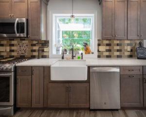 South Windsor kitchen remodel farmhouse sink, countertop, backsplash, and cabinets
